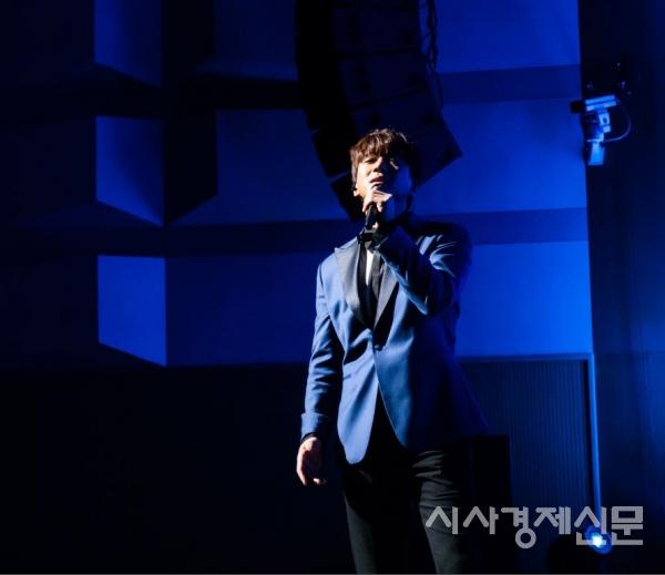 마포구에서 개최된 엠팻 개막공연의 사회를 맡은 한류스타 황치열.