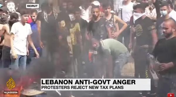 """레바논 호텔관광협회장은 지난 5일 NNA통신과의 인터뷰에서 """"레바논 재앙""""이라며, """"코로나 바이러스와 정치적 문제로 인해 그리고 이번 폭발로 베이루트 호텔의 90%가 파손됐다""""고 밝혔다.(사진 : 알자지라 방송 유튜브 캡처)"""