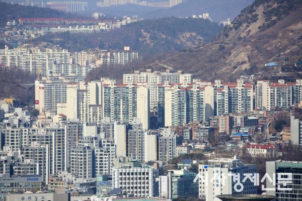 남산에서 내려다본 서울 아파트 단지. 사진=시사경제신문